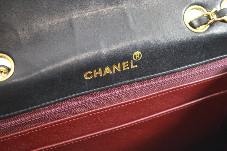 9e5b9470e160 1991 Vintage Chanel Black Lambskin Leather Bag with 2.55 Golden Hardware  For Sale 2