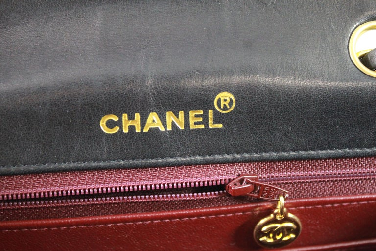 8fd89a694f62 1991 Vintage Chanel Black Lambskin Leather Bag with 2.55 Golden Hardware  For Sale 5