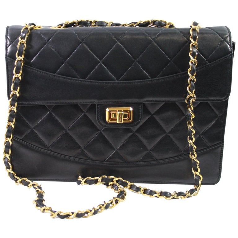 3b7081fb4f1e 1991 Vintage Chanel Black Lambskin Leather Bag with 2.55 Golden Hardware  For Sale