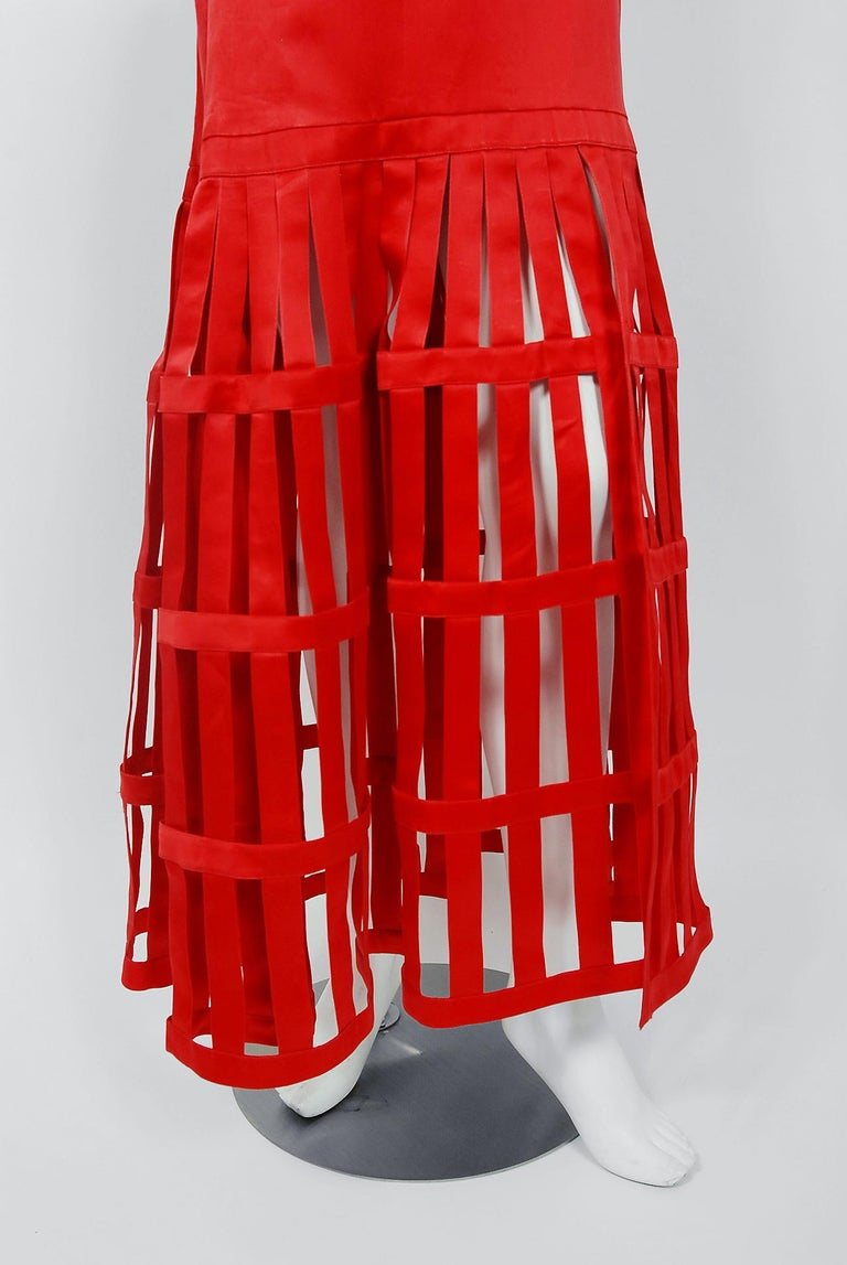 Vintage 1992 Valentino Boutique Red Silk Birdcage Cut-Out Backless Maxi Dress For Sale 3