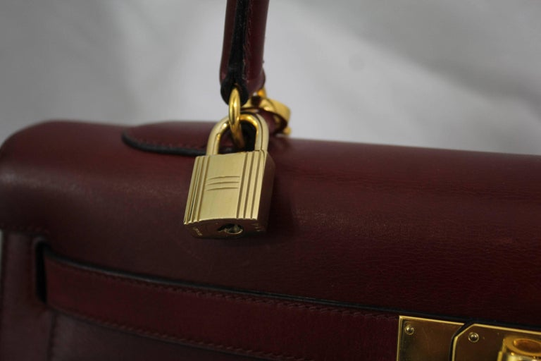 Black 1993 Vintage Red Hermes Kelly 35 Sellier with Shoulder Strap For Sale