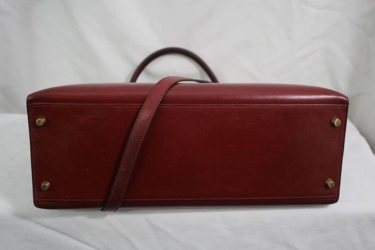 1993 Vintage Red Hermes Kelly 35 Sellier with Shoulder Strap In Good Condition For Sale In Paris, FR
