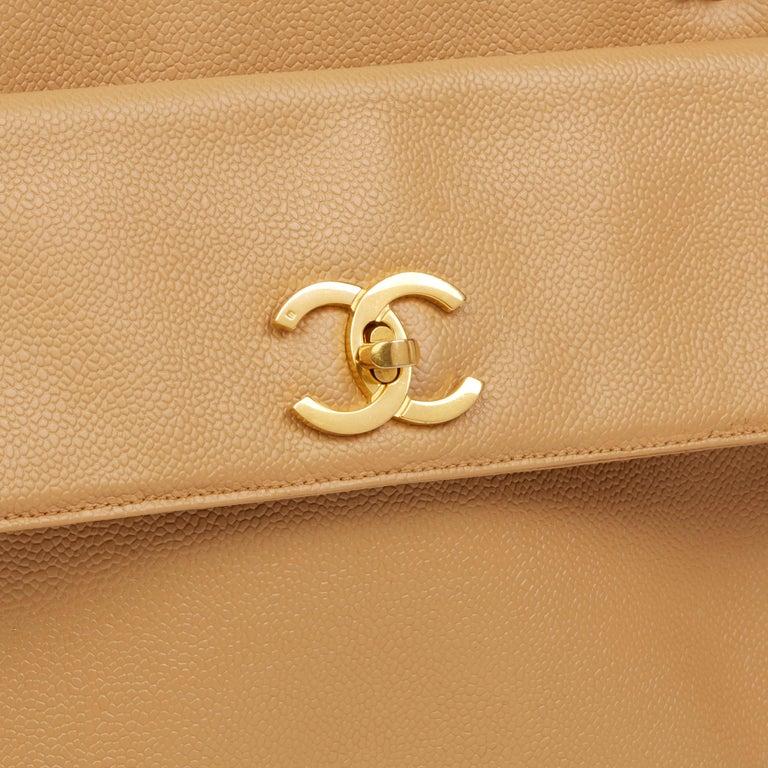 1994 Chanel Beige Caviar Leather Vintage Shoulder Bag For Sale 1