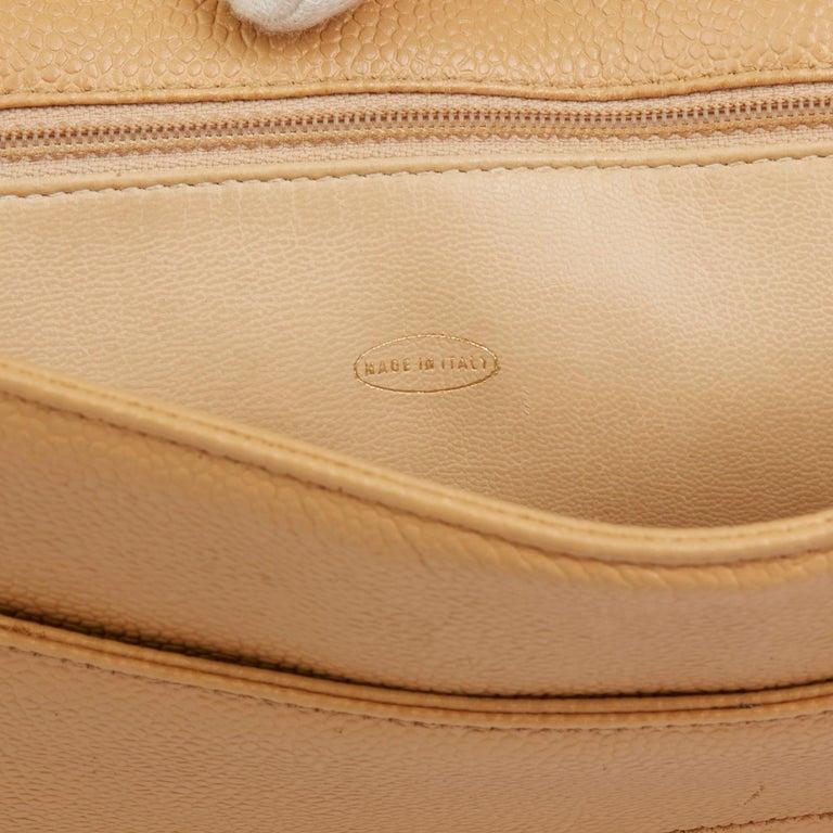 1994 Chanel Beige Caviar Leather Vintage Shoulder Bag For Sale 3