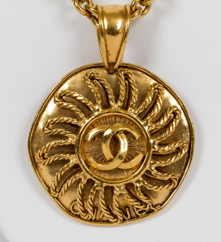 1994 Vintage Chanel Large Sun Logo Pendant Necklace In Excellent Condition For Sale In West Hollywood, CA