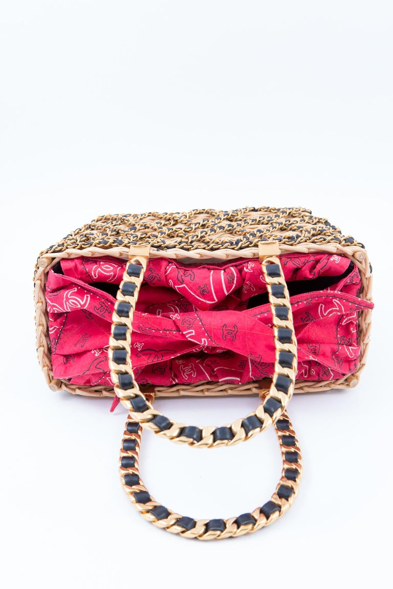 Women's 1994s Chanel Collector Catwalk Beige and Red Wicker Basket Bag