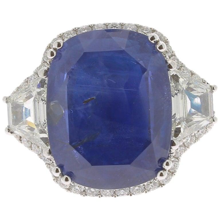 19.95 Karat Kissen Intensiver Blauer Ceylon Saphir Ring 18 Karat Weißgold 1