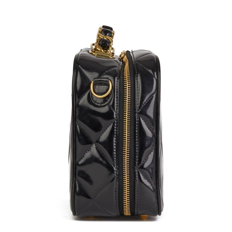 1996 Chanel Black Quilted Patent Leather Vintage Small Timeless Lunch Box Bag  In Good Condition For Sale In Bishop's Stortford, Hertfordshire