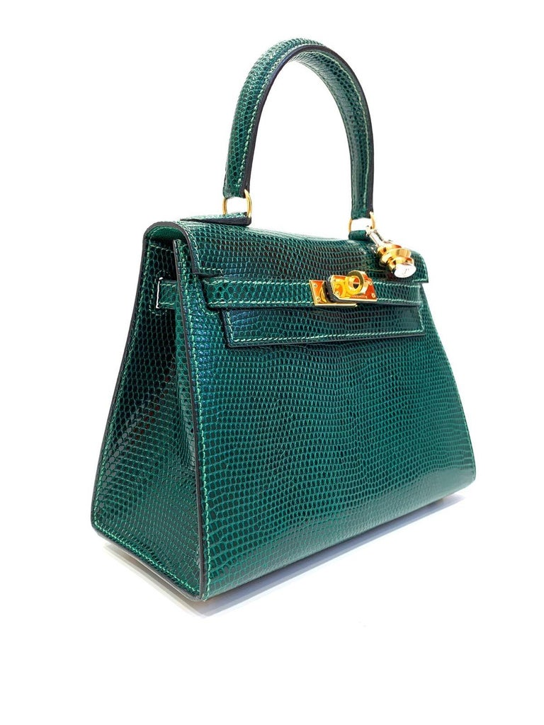 Very rare bag, Hermès mini Kelly 20 cm  Sellier green lizard with goldtone hardware.  Date stamp Z for 1996. Comes with original dust-bag. Good Condition, little scratch inside.
