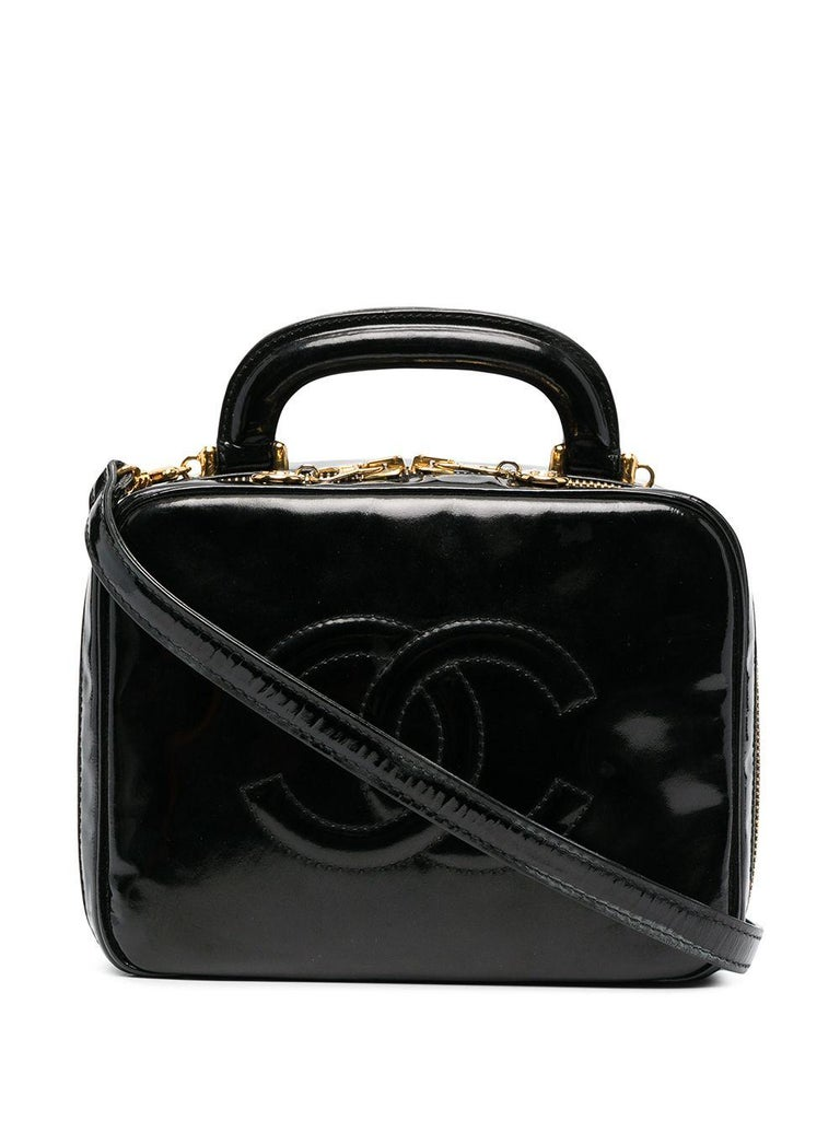 1996s Chanel Black Patent Timeless Vanity Bag In Good Condition For Sale In Paris, FR
