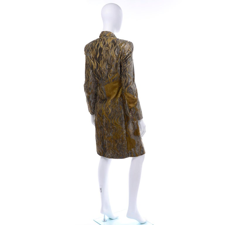 1997 Bill Blass Gold & Green Runway Metallic Button Front Vintage Velvet Coat For Sale 2