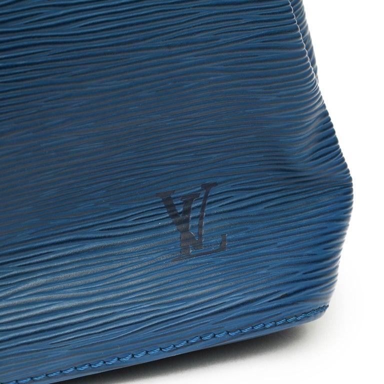 1997 Louis Vuitton Blue Epi Leather Vintage Petit Noé In Good Condition For Sale In Bishop's Stortford, Hertfordshire