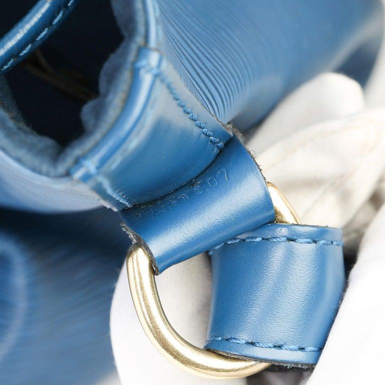 1997 Louis Vuitton Blue Epi Leather Vintage Petit Noé For Sale 1