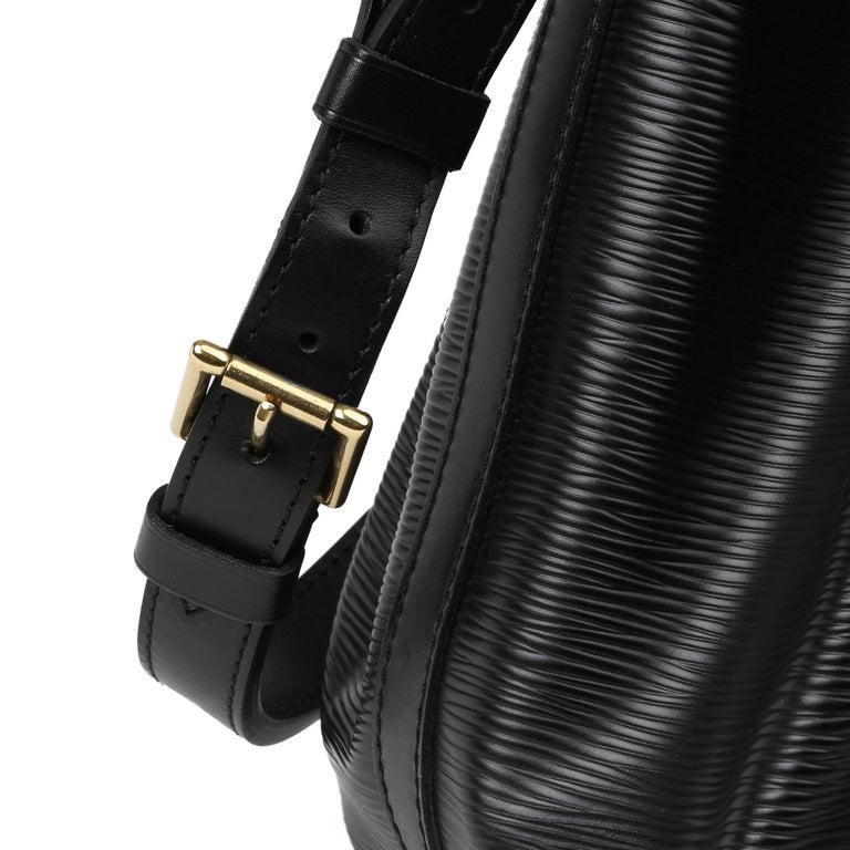 1998 Louis Vuitton Black Epi Leather Vintage Petit Noé For Sale 3