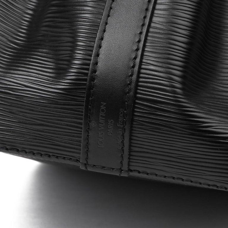 1998 Louis Vuitton Black Epi Leather Vintage Petit Noé For Sale 5