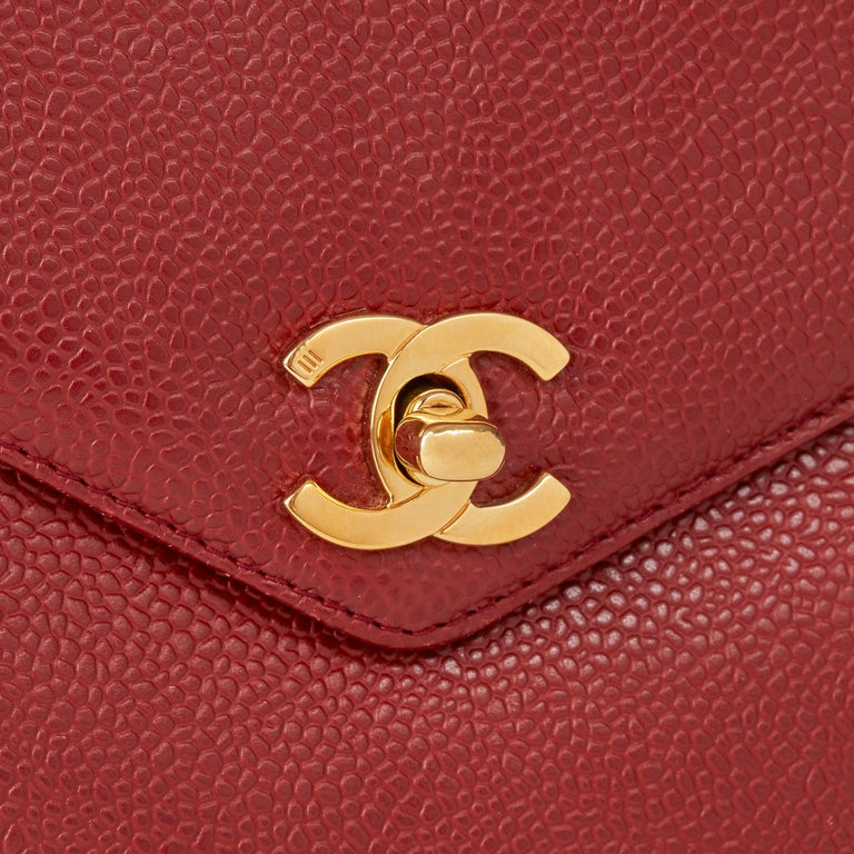 1999 Chanel Burgundy Caviar Leather Vintage Classic Shoulder Bag  For Sale 2
