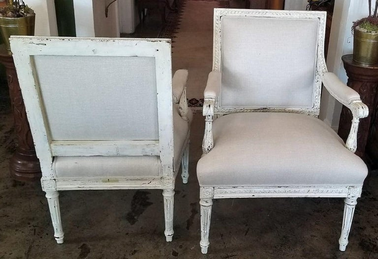19th Century Pair of French Louis XVI Style Painted Armchairs For Sale 3