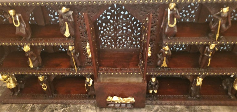19th Century SE Asian Highly Carved Wooden and Gilted Floor Case For Sale 7