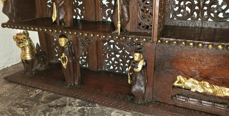 19th Century SE Asian Highly Carved Wooden and Gilted Floor Case For Sale 13