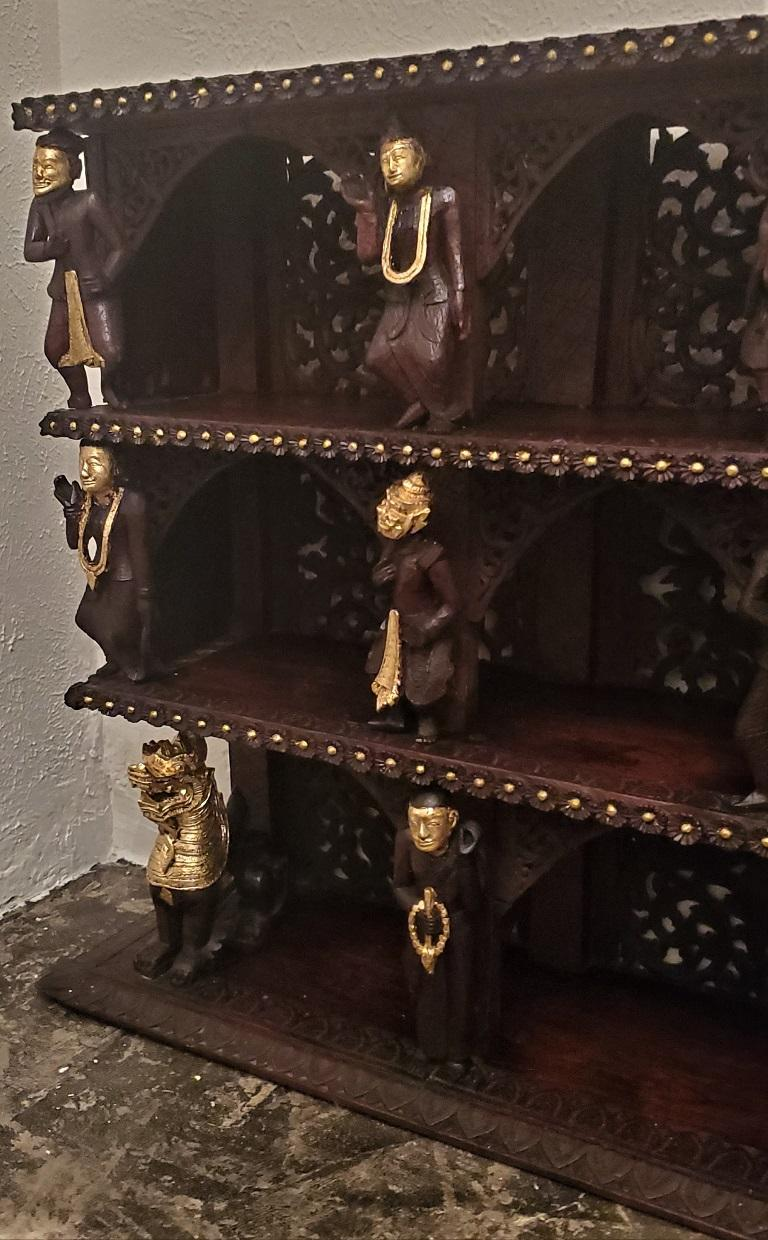 Gold Leaf 19th Century SE Asian Highly Carved Wooden and Gilted Floor Case For Sale