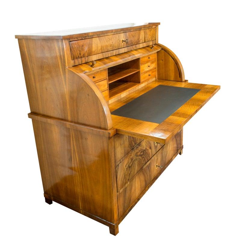 19h Century Biedermeier Walnut Bureau Cylinder Secretary 4