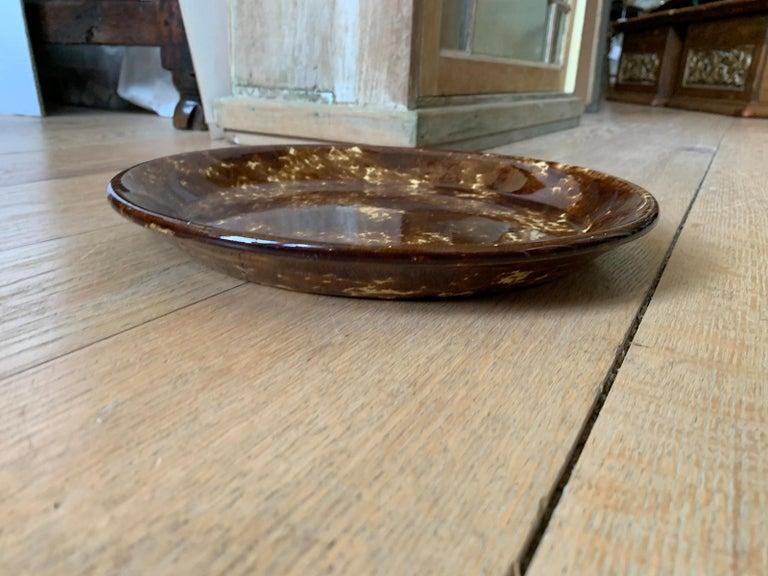 19th-20th Century Bennington Ware Round Platter In Good Condition For Sale In Atlanta, GA