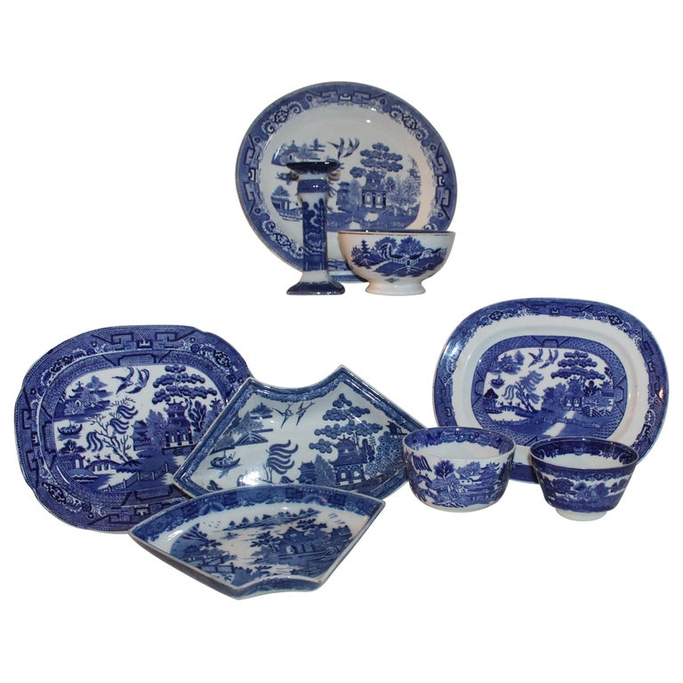 19th-20th Century Blue Willow Collection, 9 Pcs For Sale