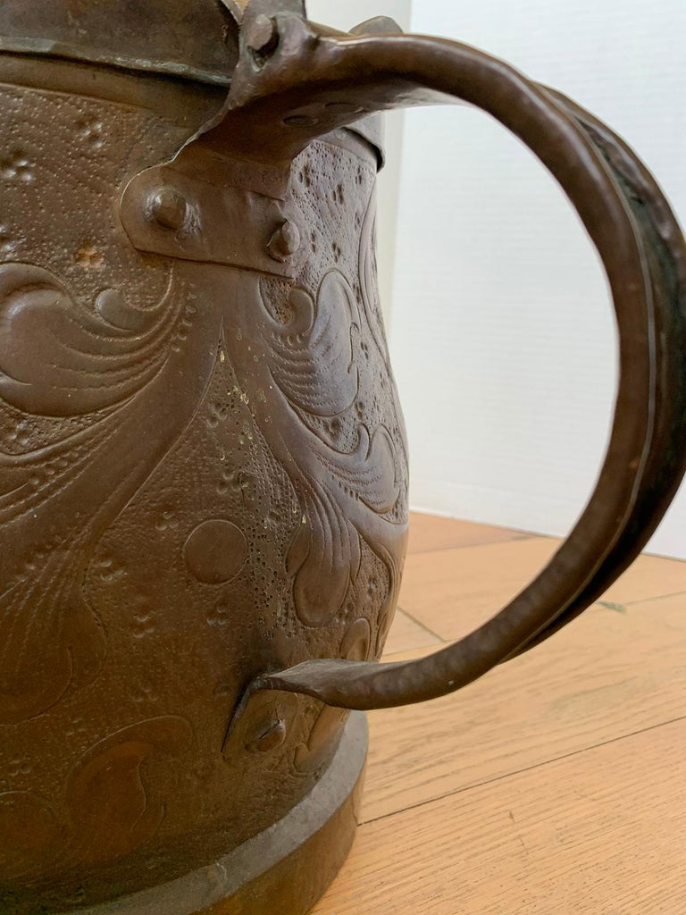 19th-20th Century Eastern Continental Copper Watering Can with Lid For Sale 7