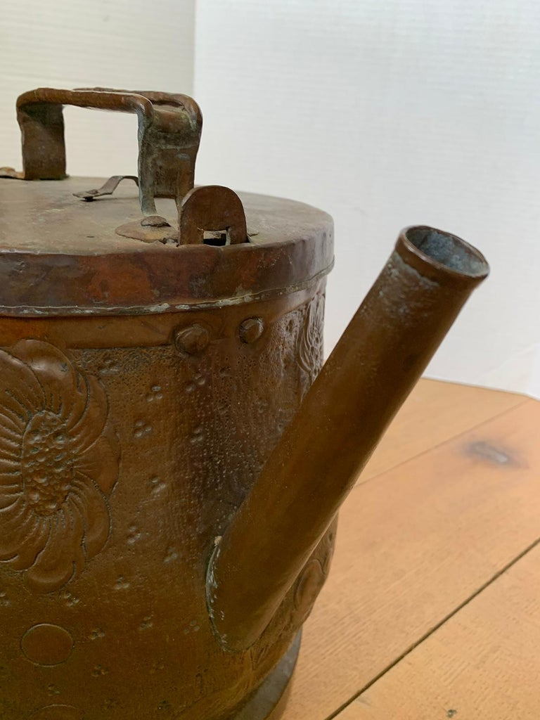 19th-20th Century Eastern Continental Copper Watering Can with Lid For Sale 3