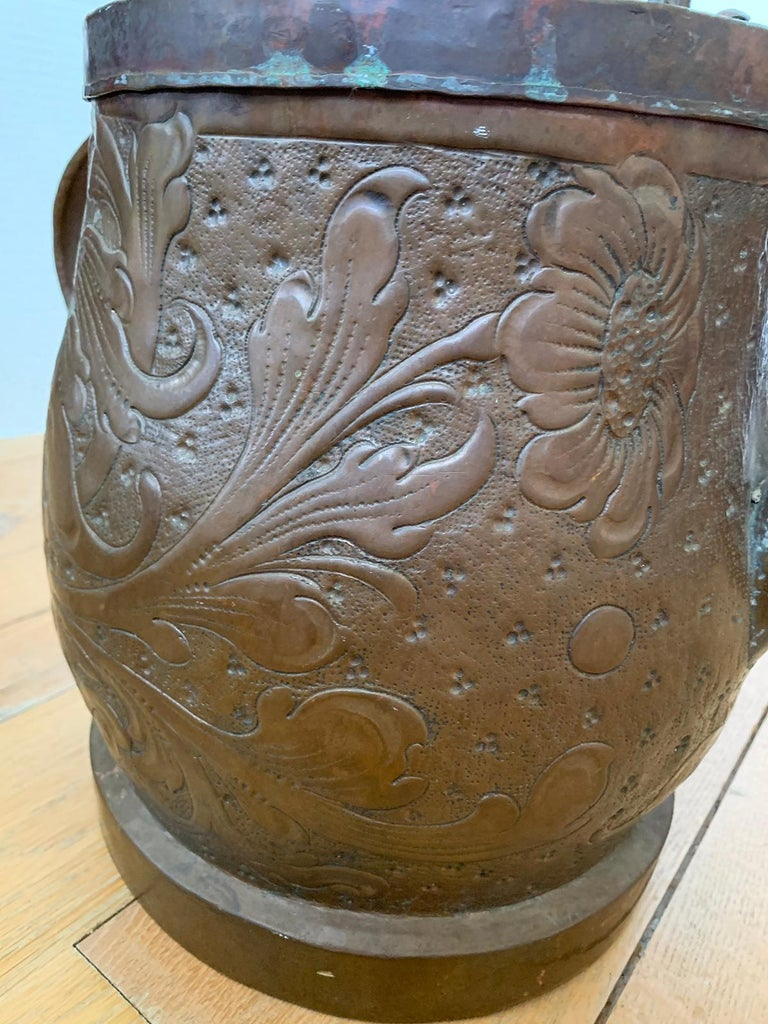 19th-20th Century Eastern Continental Copper Watering Can with Lid For Sale 4