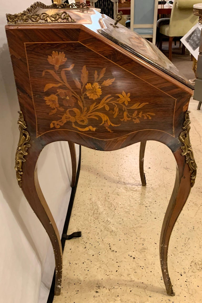 19th-20th Century Louis XV Style Bombe French Marquetry Inlaid Desk For Sale 5