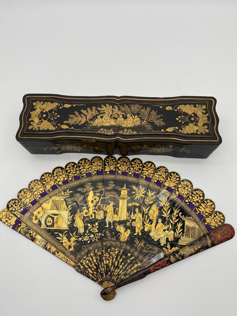 Antique Chinese Hand Painted Lacquer Scene Gilt Fan with Lacquer Box For Sale 3