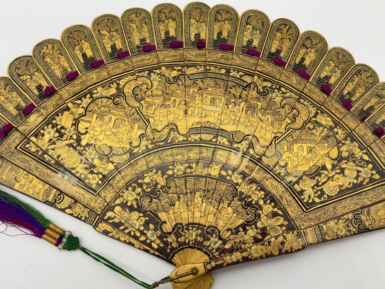 Antique Chinese Hand Paint Gold Lacquer Scene Gilt Fan with Lacquer Box For Sale 7