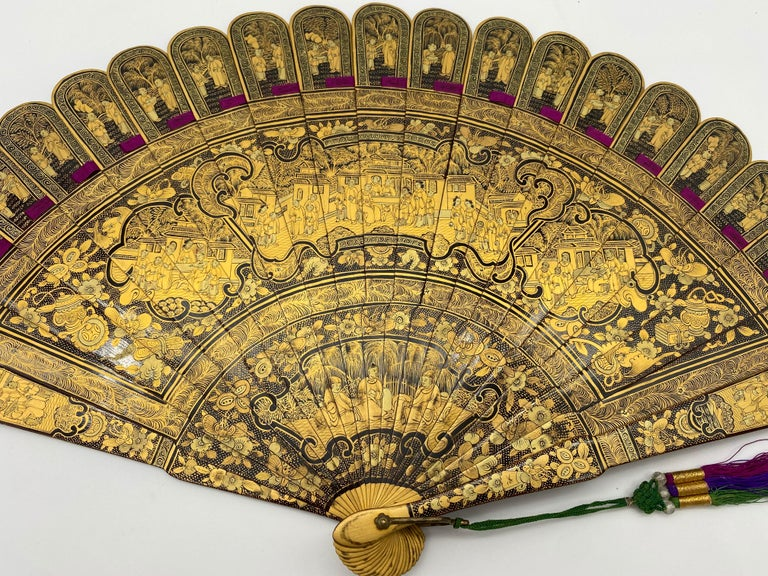 Qing Antique Chinese Hand Paint Gold Lacquer Scene Gilt Fan with Lacquer Box For Sale