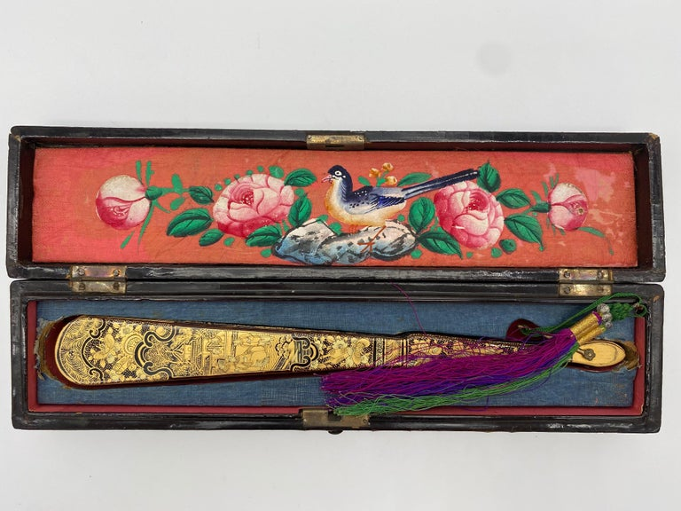 Antique Chinese Hand Paint Gold Lacquer Scene Gilt Fan with Lacquer Box In Good Condition For Sale In Brea, CA