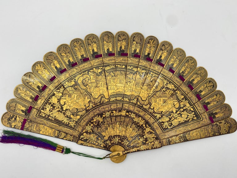 Antique Chinese Hand Paint Gold Lacquer Scene Gilt Fan with Lacquer Box For Sale 3