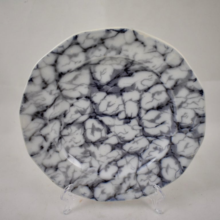 Black and White Transferware Marble or Cracked Ice Ironstone Plates, Set of 4 In Good Condition For Sale In Philadelphia, PA
