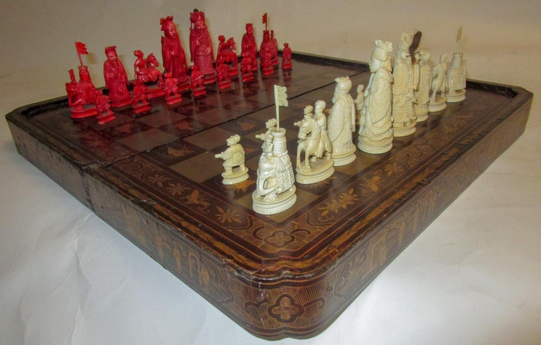 Chinese Export 19th Century Chinese Lacquer Giltwood Board Chess Set For Sale