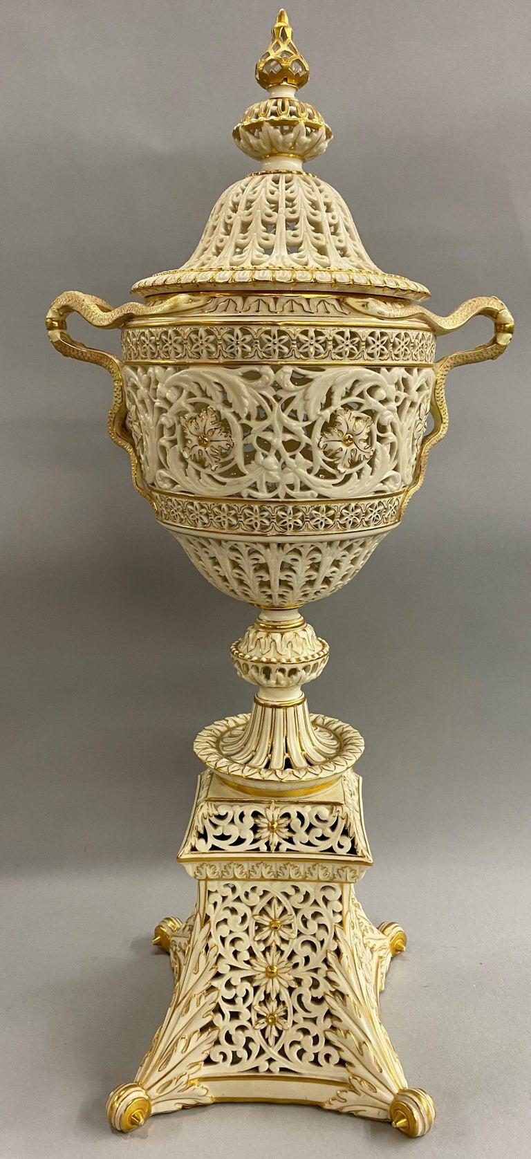 English Grainger Royal Worcester Gilt Ivory Porcelain Reticulated Urn For Sale 1