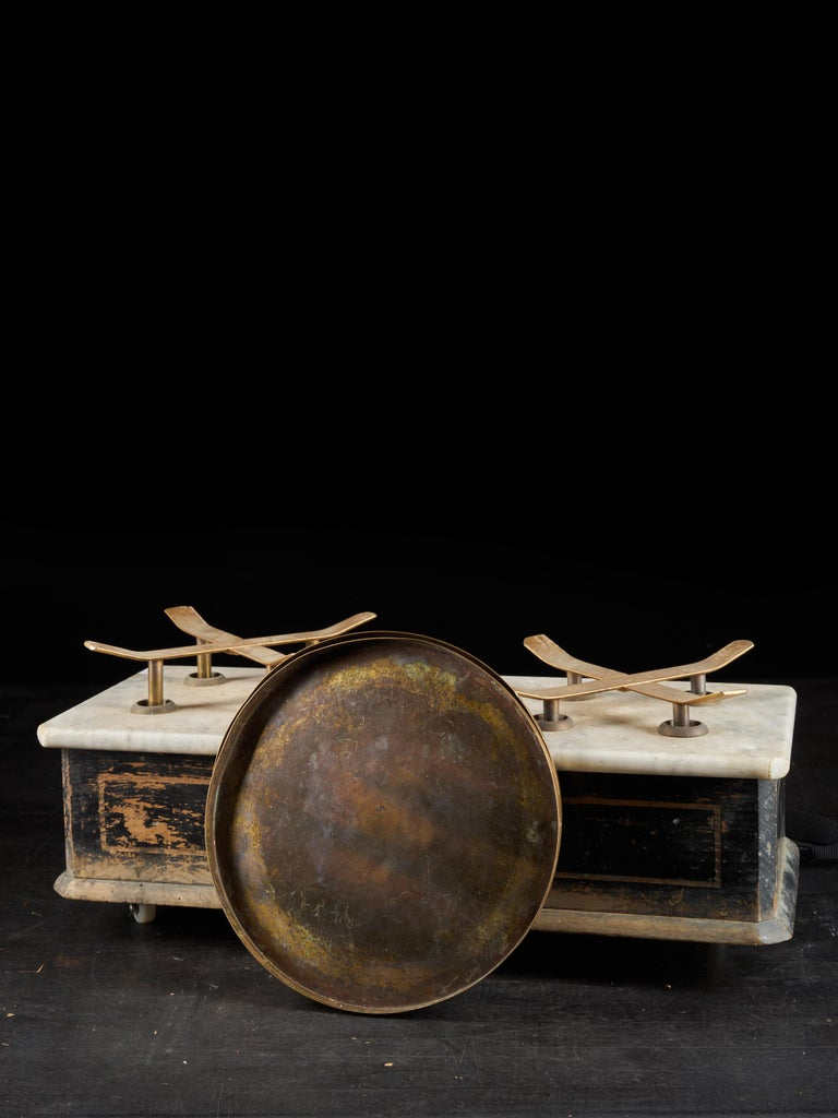 19th Century French Culinary Scale with Two Copper Plateaux For Sale 2
