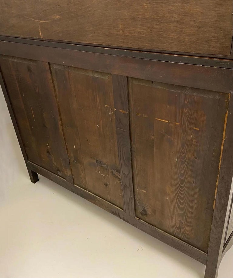 19th-C. French Louis XV Style Carved Oak Cabinet or Buffet / Sideboard For Sale 2