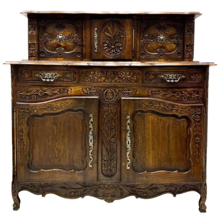 19th-C. French Louis XV Style Carved Oak Cabinet or Buffet / Sideboard For Sale