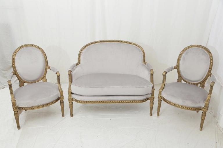 19th Century French Louis XVI Style Carved Giltwood and Pale Grey Seating Suite For Sale 10