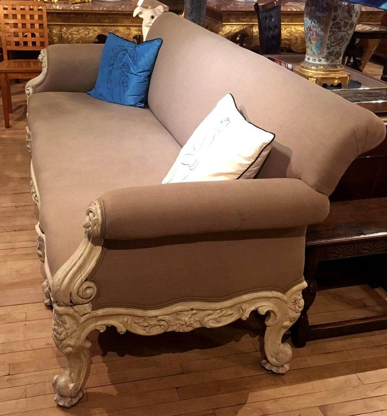 19th Century Gillows Carved Hardwood Sofa In Good Condition For Sale In London, GB