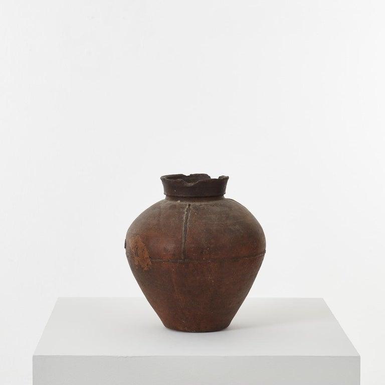 Clay 19th Century Gundivos Galician Black Pot, Spain For Sale