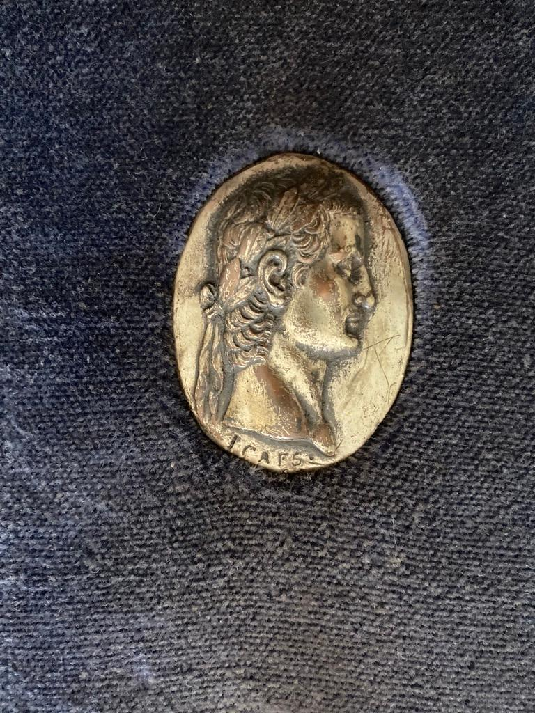 Italian Grand Tour Medals of Roman Emperors and the Roman Colosseum For Sale 11