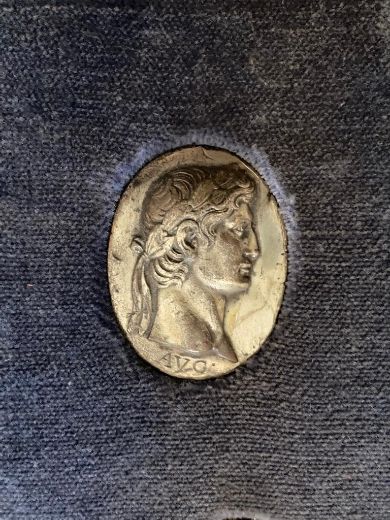 Italian Grand Tour Medals of Roman Emperors and the Roman Colosseum For Sale 12