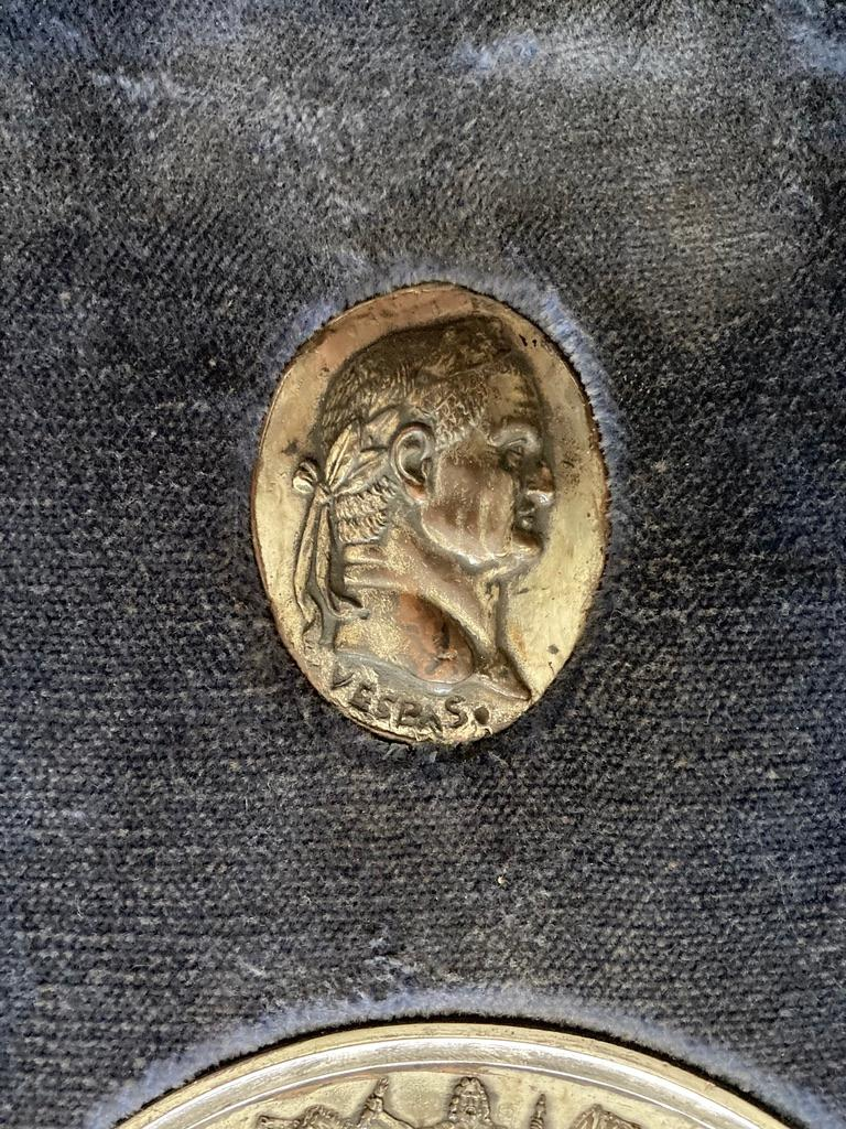 Italian Grand Tour Medals of Roman Emperors and the Roman Colosseum For Sale 2
