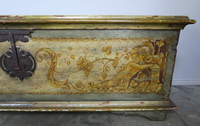 Rococo 19th Century Italian Hand Painted Chest with Cherubs For Sale