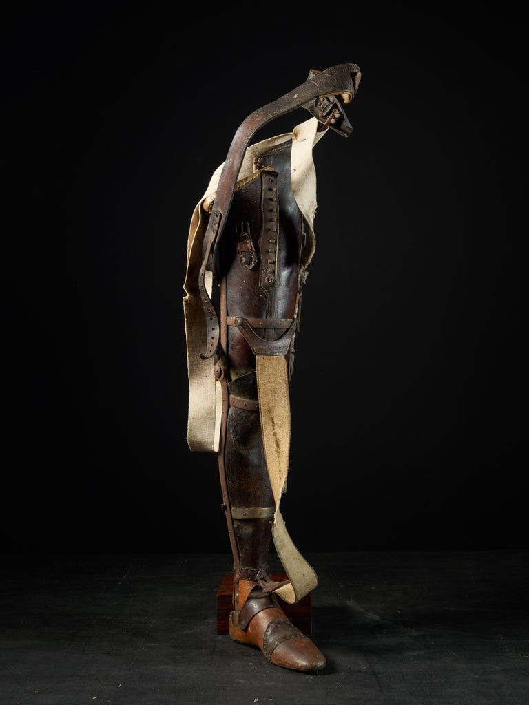 This prosthetic leg was manufactured in Italy in 1917 and is made of wood and leather, circa 1900, the pioneers of prosthetic design had begun the idea of specialized artificial limbs. For the first time, artificial limbs were being mass-produced in